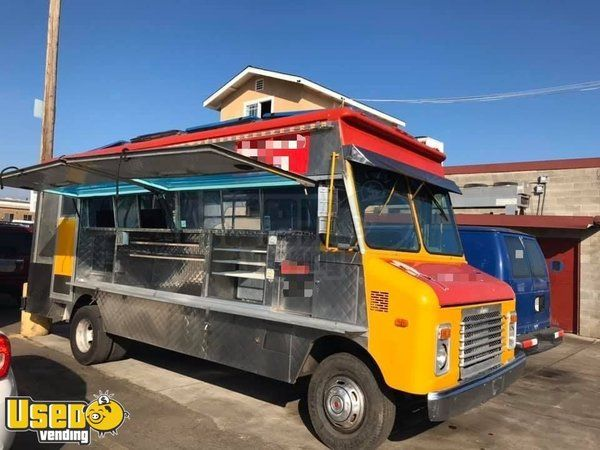 Chevrolet Step Van Mobile Kitchen Food Lunch Truck w/ Serving Side