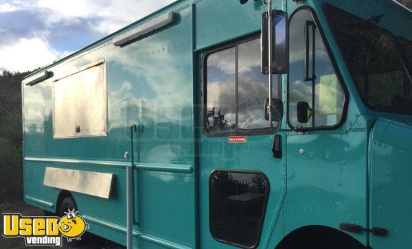 Lightly Used 2009 18' Workhorse W62 Step Van Fully Loaded Mobile Kitchen Food Truck